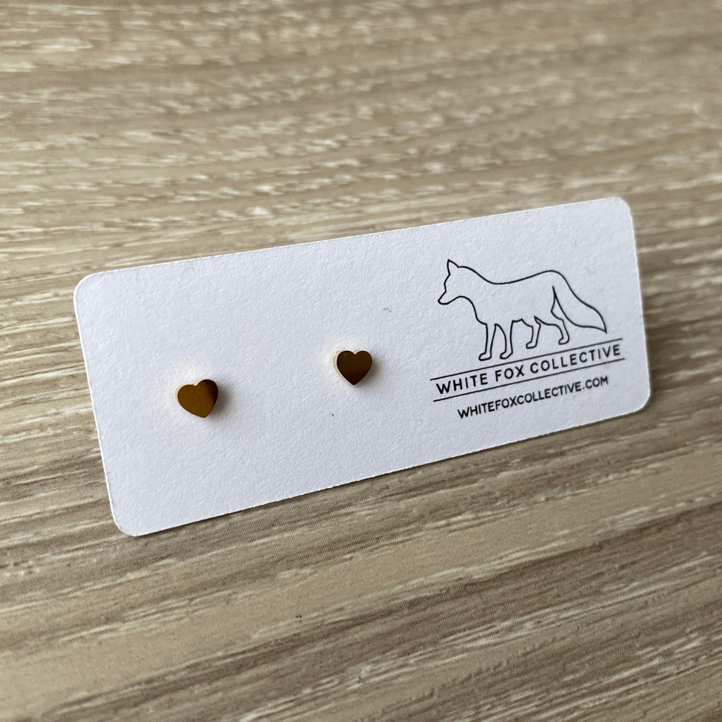 Tiny Heart Earrings - Gold
