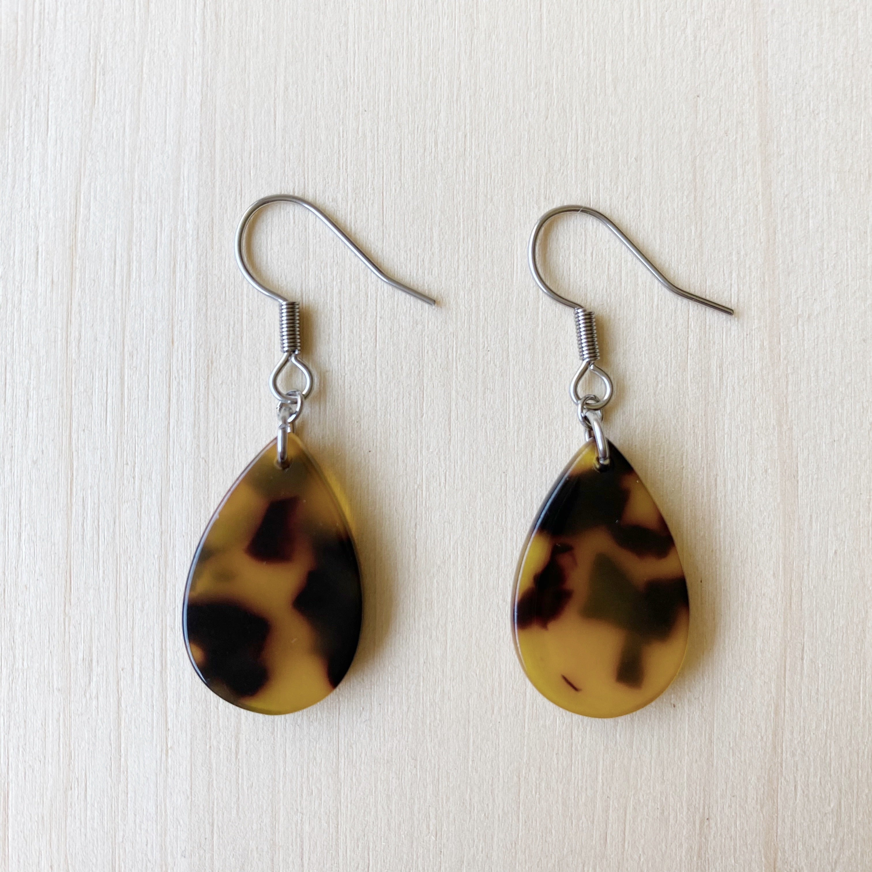 Tiny Teardrop Acetate Earrings - Tortoiseshell