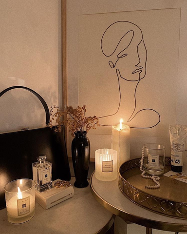 bathtub with candles and line drawing