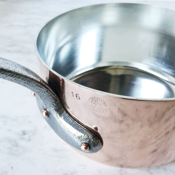 Stamped Vintage Copper Pot - Stamped 16 & Fabrique en Français - the french kitchen