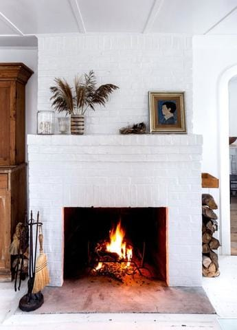 Stylist Secrets | Tips for Making Your Mantel Looking Its Prettiest