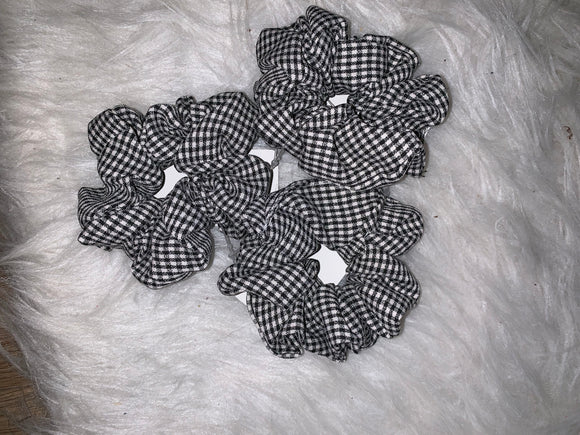 Hair Scrunchie: Black and White Gingham Design