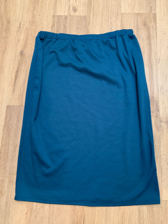 Perfect pencil skirt in Teal