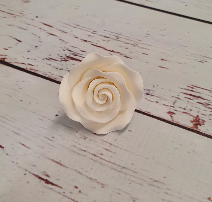 Edible Decorations - White Rose (Medium) 4.5cm (PICK UP ONLY)