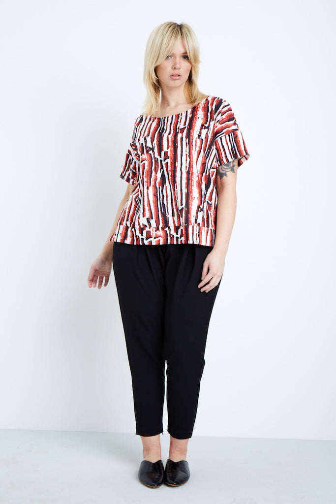 Shegul White Black Red Lava Printed Tee plus size Coverstory