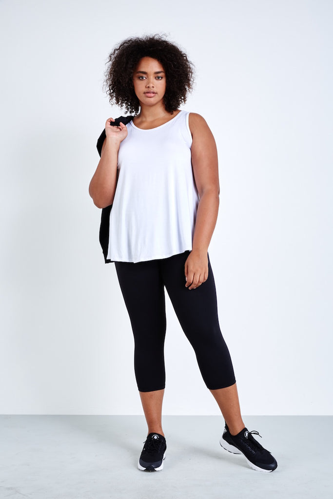 plus size activewear coverstory Lola getts tulip back tank white
