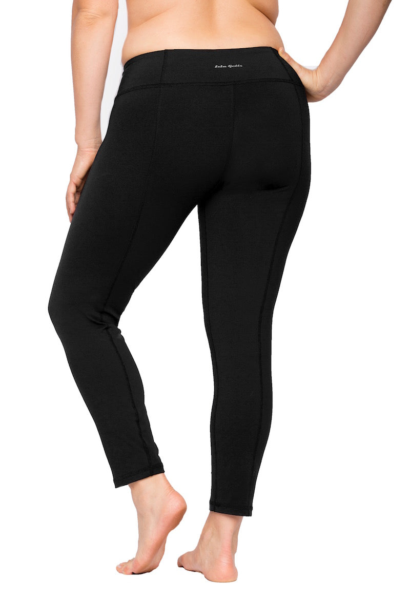 Coverstory Lola getts plus size black leggings