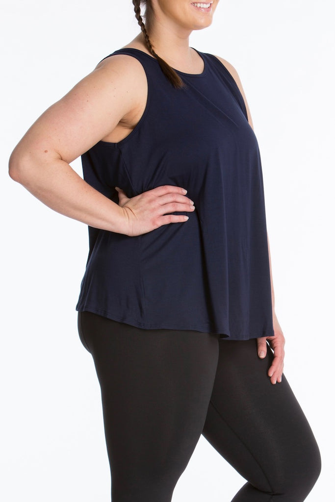 lola getts tulip back tank navy plus size activewear Coverstorynyc