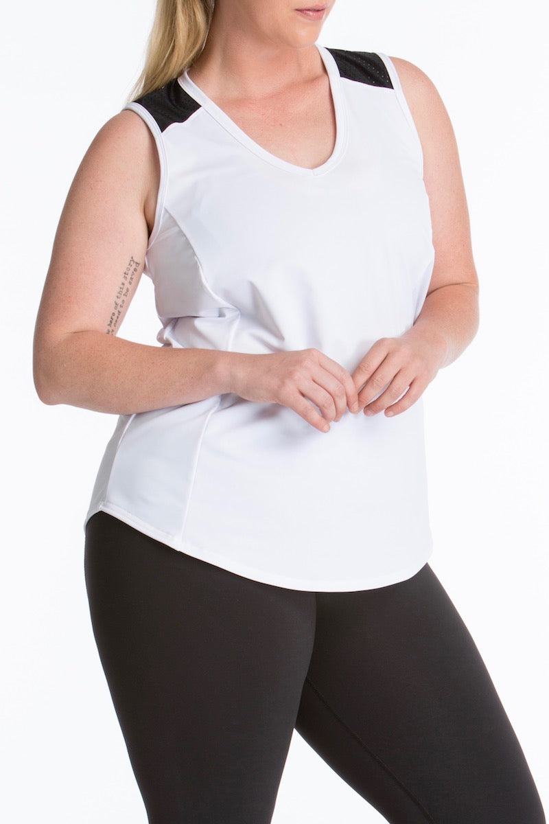 Lola Getts Sport Sleeveless Plus size white black Coverstory