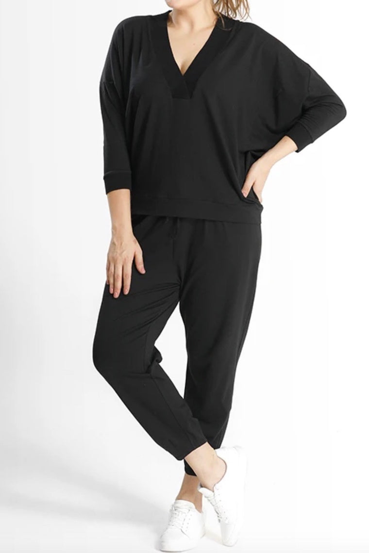 Shegul Gaia bat Sleeves Top - Black
