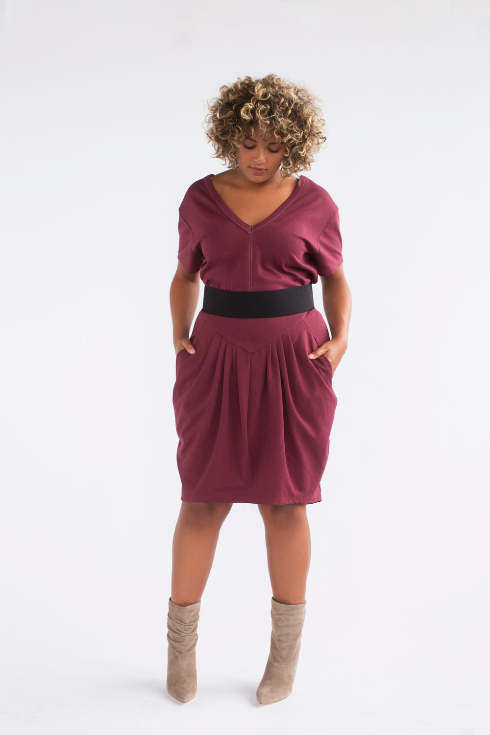 See Rose Go Pleated Skirt Burgundy plus size COVERSTORY