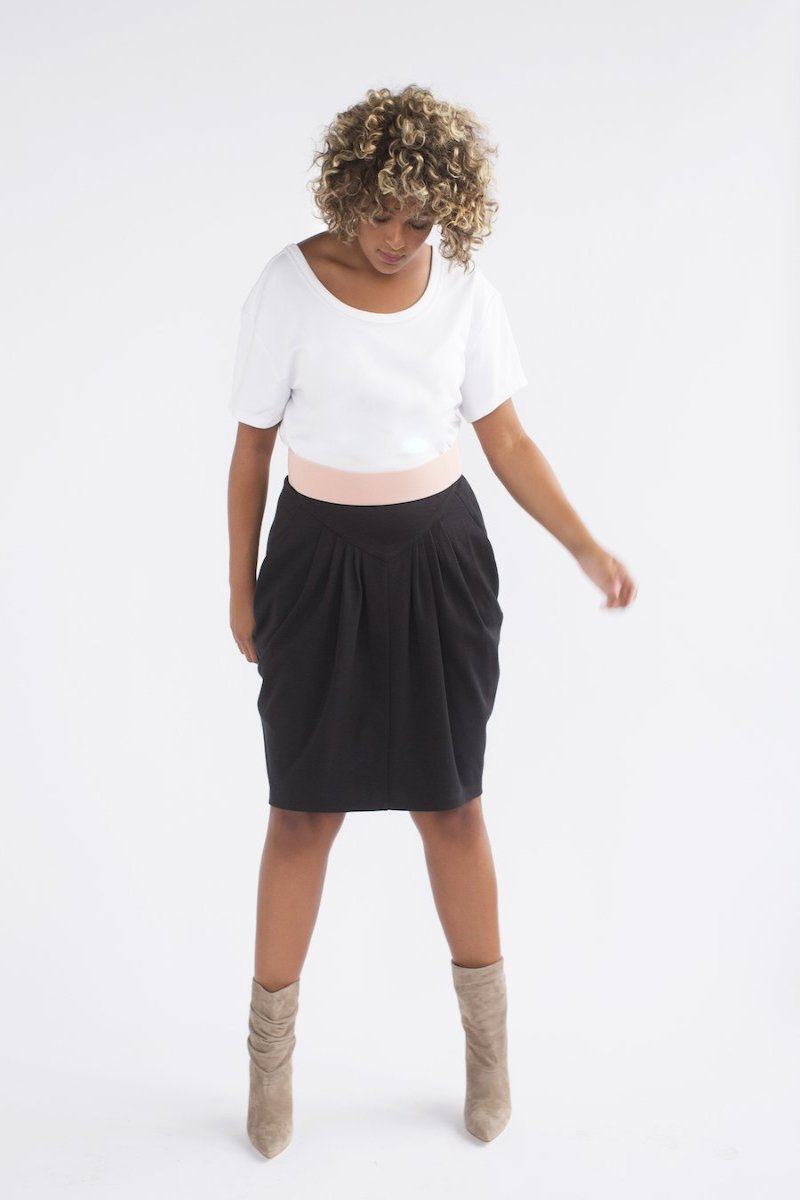 See Rose Go Pleated Skirt - Black