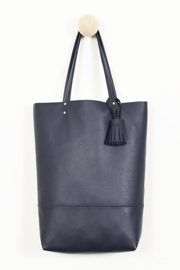 8.6.4 Tote 2 - Navy