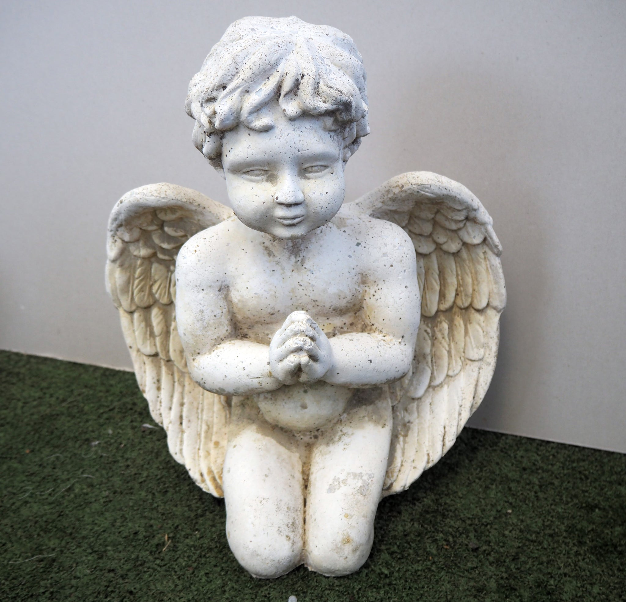 Angel Praying Statue
