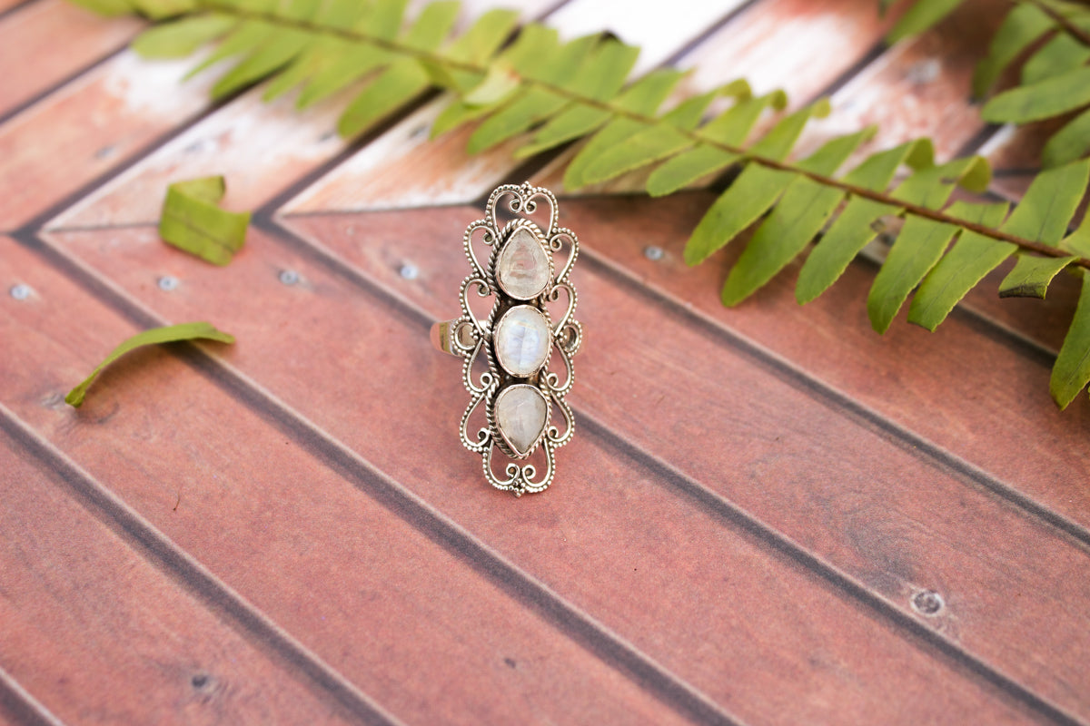 Moonstone Ring, Rainbow Moonstone Gemstone 925 Sterling Silver Ring, Moonstone Jewelry, Statement Ring AR-1118