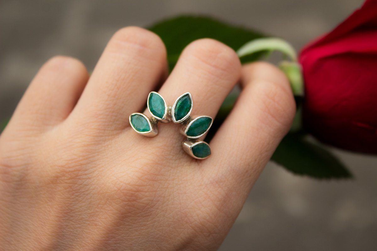 Emerald Ring, Emerald Gemstone Sterling Silver Ring, Handmade Ring, Fine Jewelry, Emerald Jewelry, AR-1132