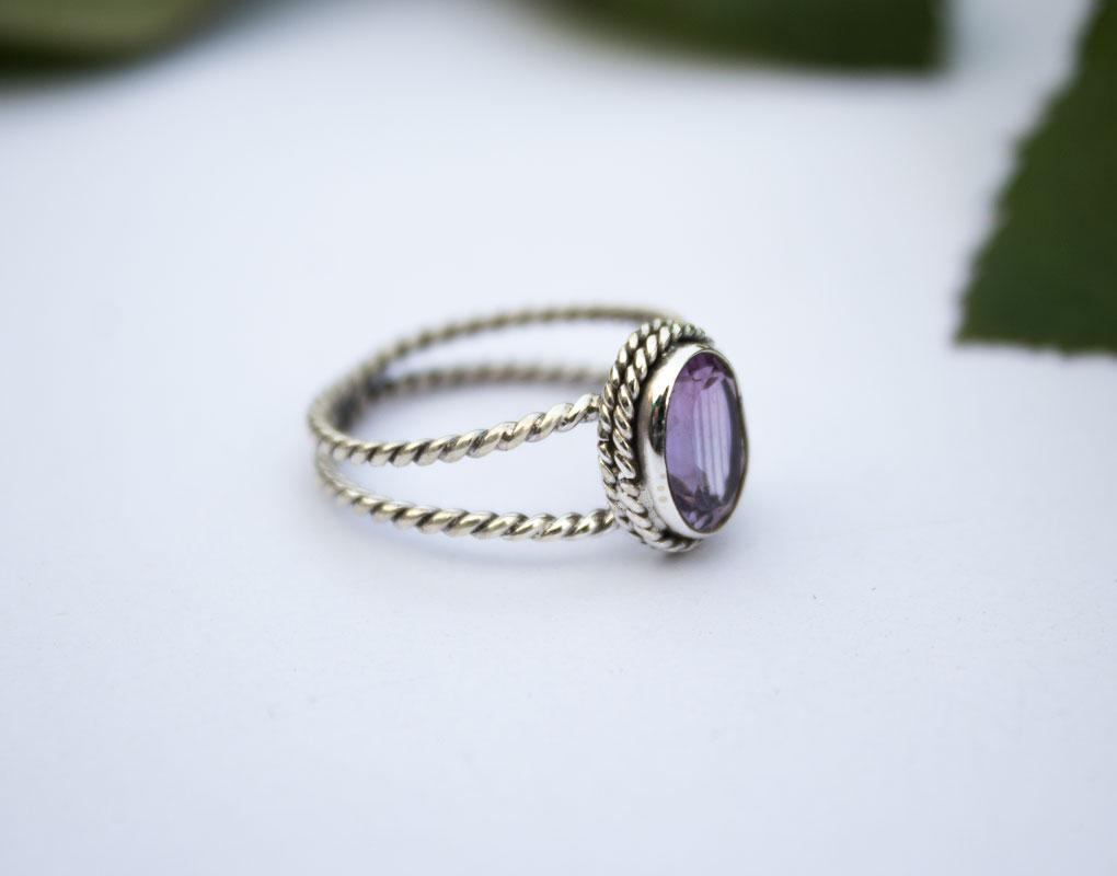 Amethyst Twisted Band Ring, Dainty Ring for Everyday Wear, AR-1004