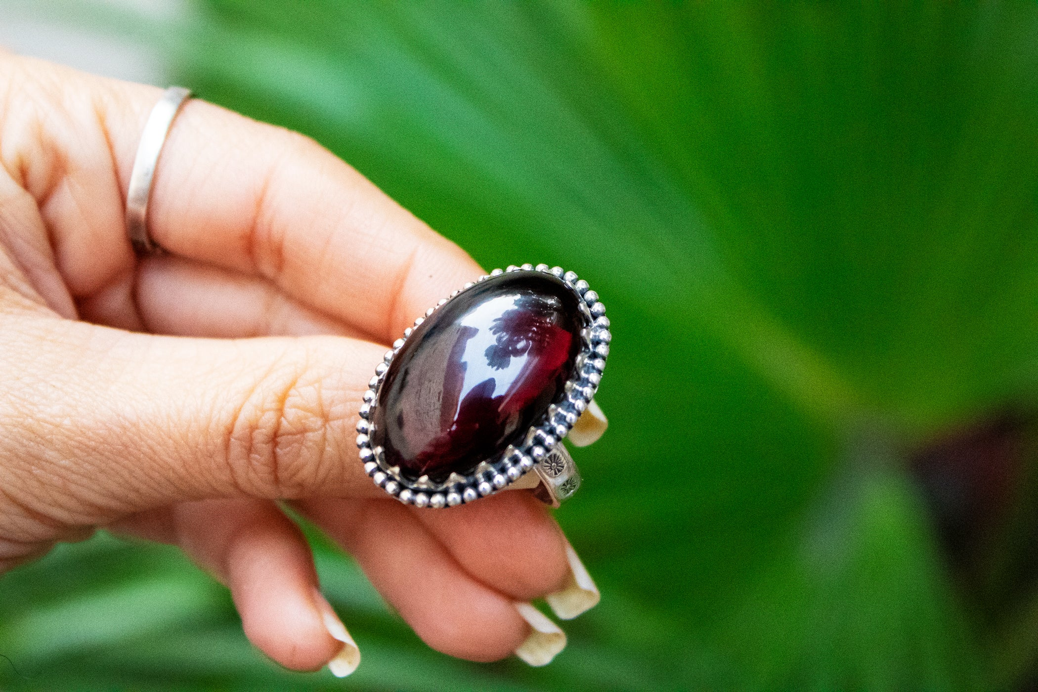 Oval Garnet Ring AR-3020