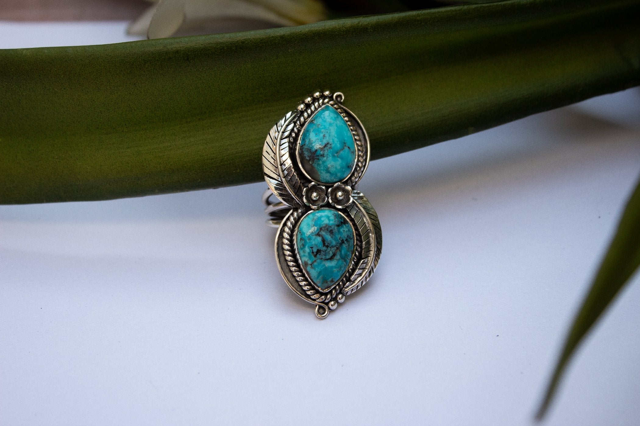 Handmade Arizona Blue Turquoise Floral and Leaf Ring AR-2037 - Its Ambra