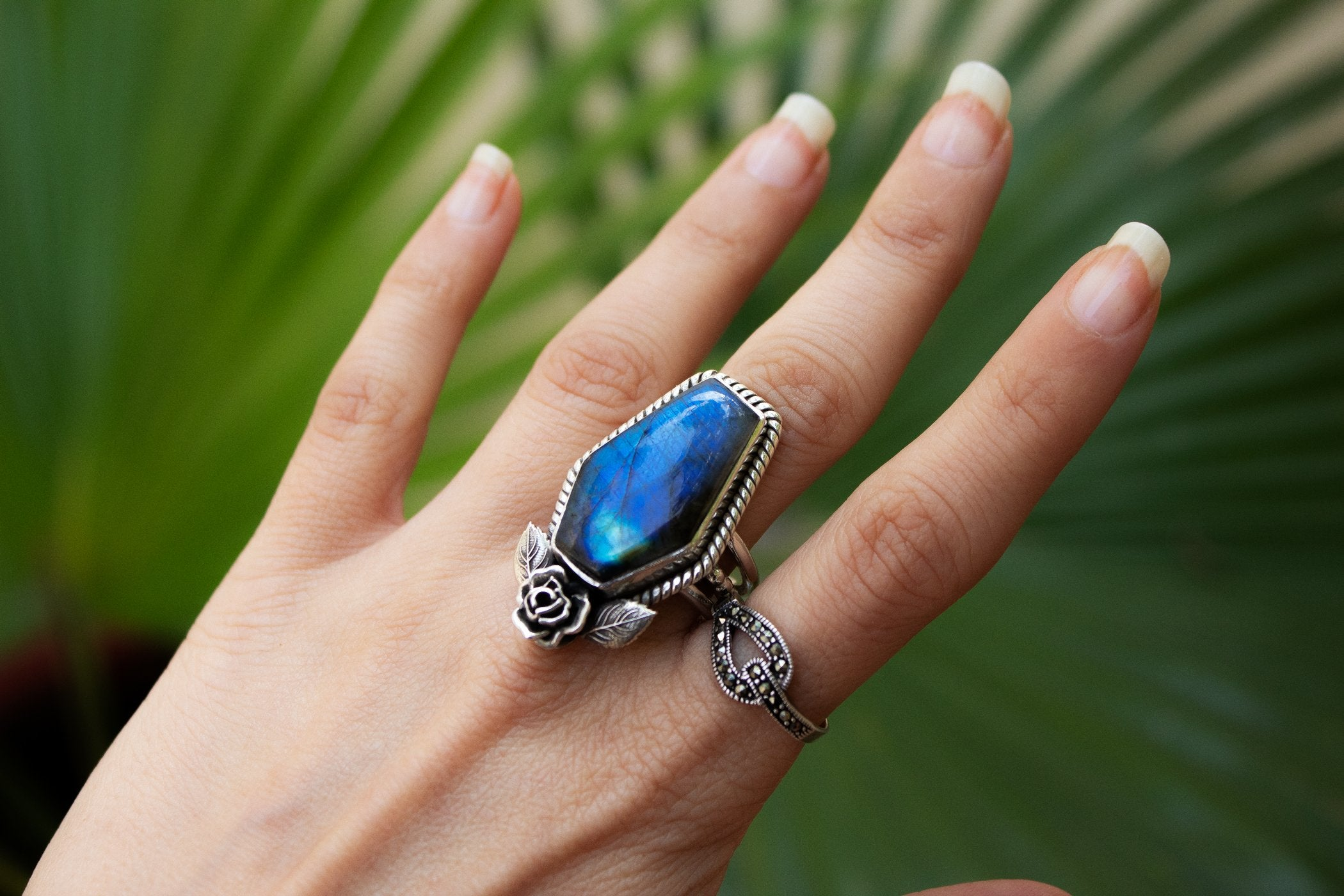 Handmade Blue Flash Labradorite Floral Coffin Ring AR-2039 - Its Ambra