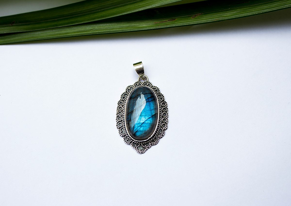 Blue Fire Labradorite Statement Pendant Necklace AP-1211 - Its Ambra