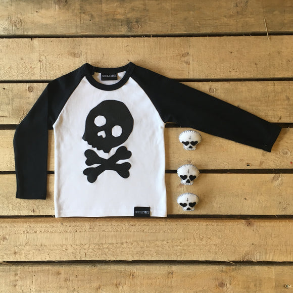Skeletots skull & bones baseball t-shirt