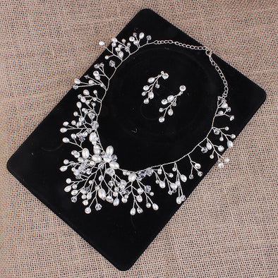 The bride wedding jewelry set and handmade pearl diamond earrings necklace