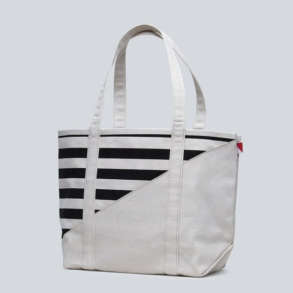 Medium Contemporary Boat Bag
