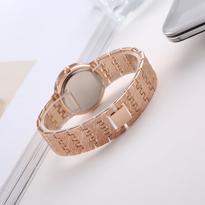 REALY A0155 Women's Quartz Watch Simple Diamond Design