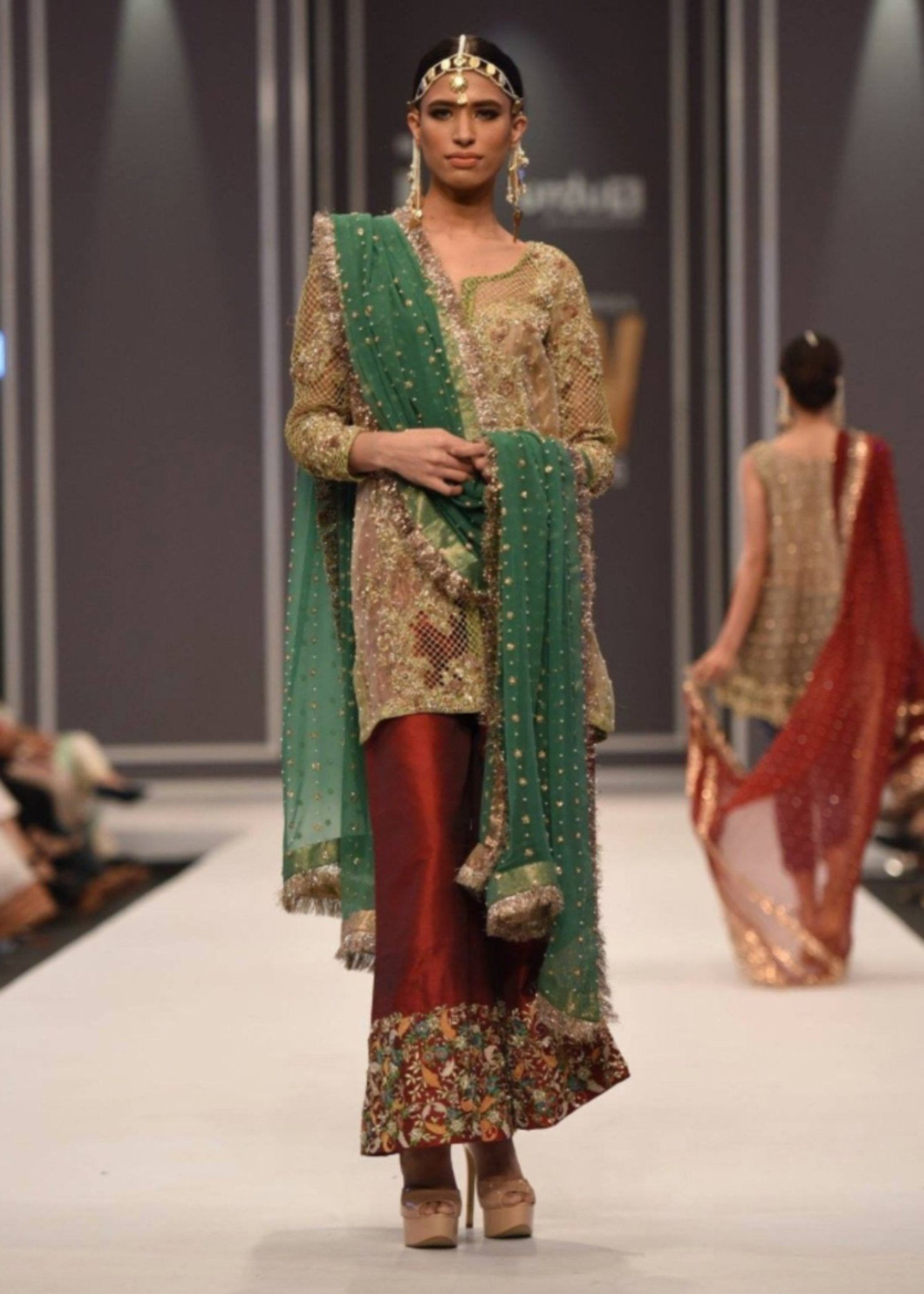 Online Fashion Store, Walima Dresses, Pakistani fancy dresses with prices