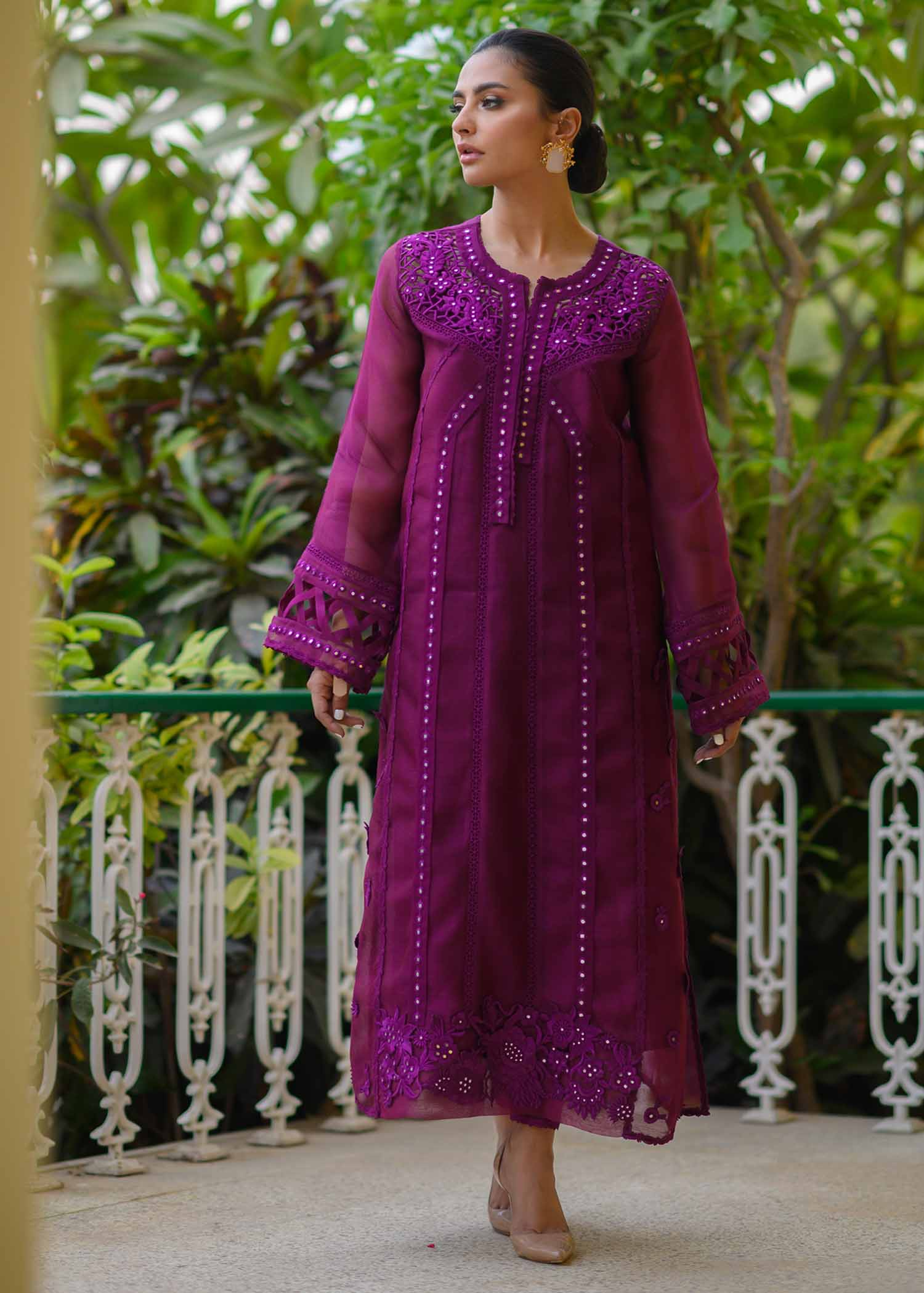 CUTWORKED LONG KURTA WITH EMBROIDERED 3D FLORALS