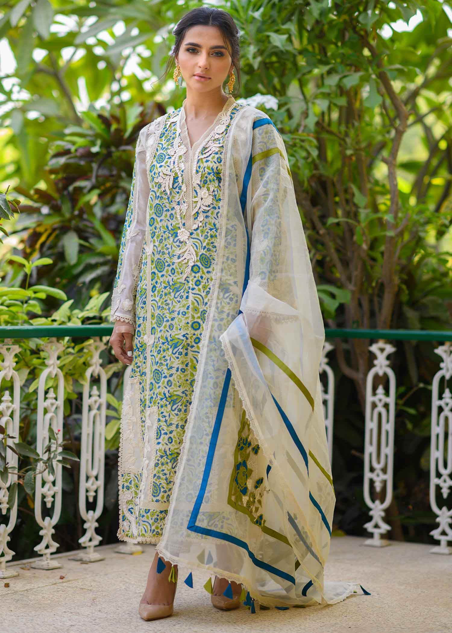 BLOCK PRINTED KURTA WITH EMBROIDERY AND LACE DETAIL