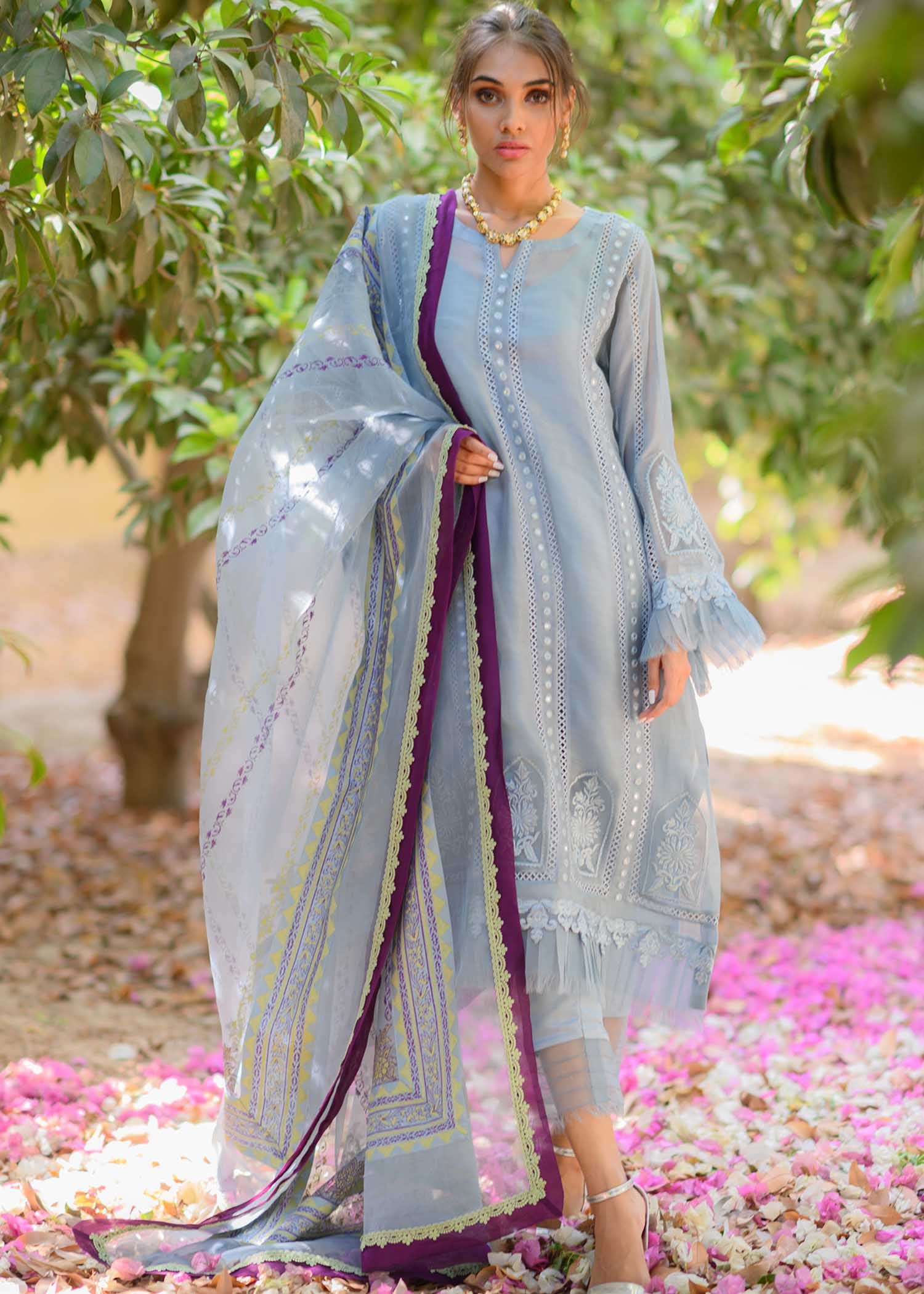 Self embroidered long shirt with pleats detail
