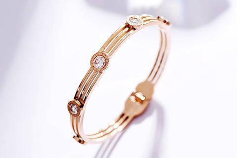 Roman in Love Bangle - Loville.co