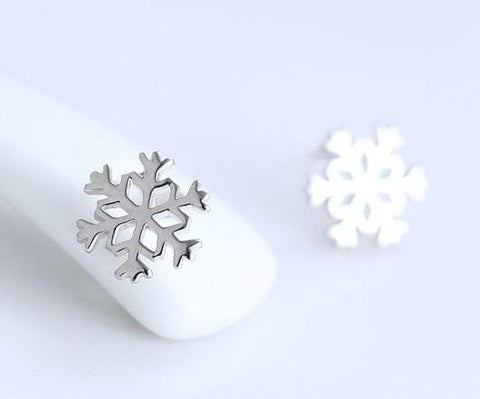 Snowflake Stud Earrings - Loville.co