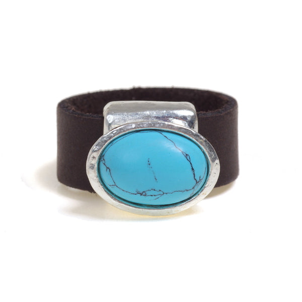 Eye Catching oval Turquoise ring