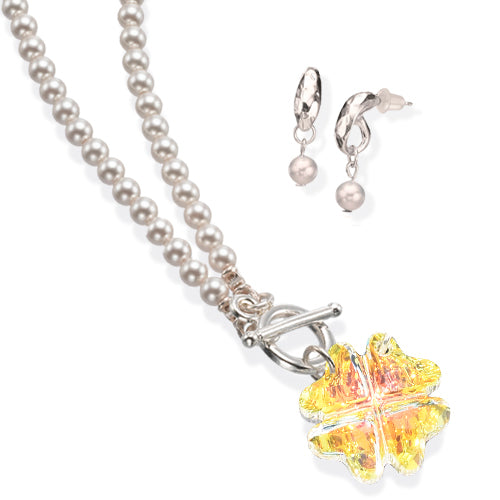 The Crystal Clover Necklace