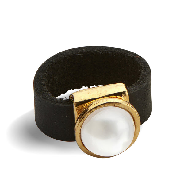 Pearl and leather gold plated ring - SEA Smadar Eliasaf