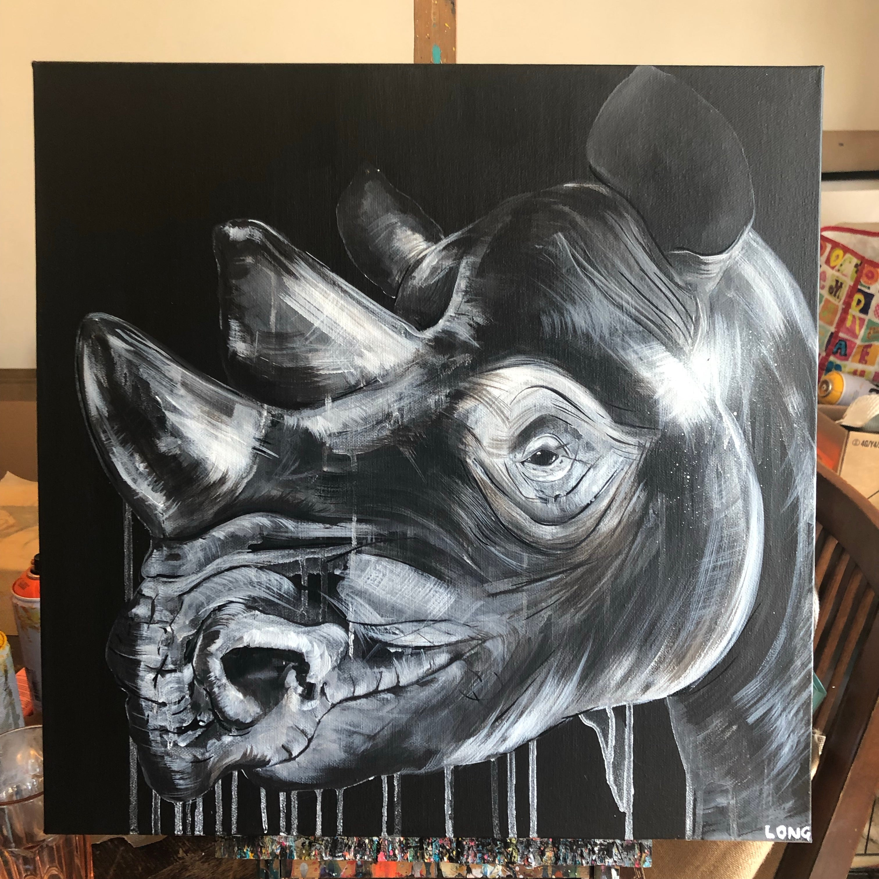 WHITE ON BLACK RHINO HEAD