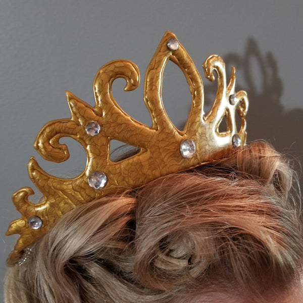 How to Make a Crown From Hot Glue