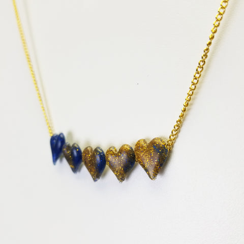 hot-glue-necklace
