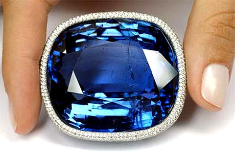 The Blue Giant of the Orient brooch