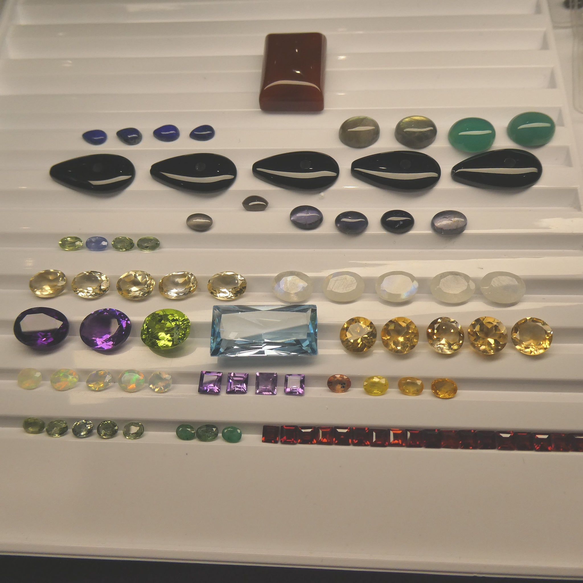 100cts+ Mixed Gem Beginner Lot: Sapphire, Emerald, Opal, Peridot, Amethyst, Citrine, Moonstone AND MORE!