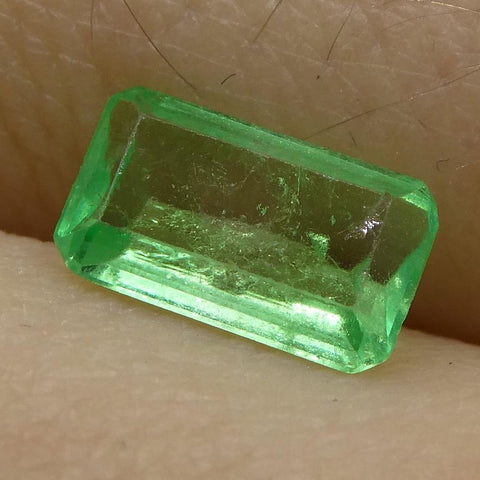 0.63 ct Emerald Cut Emerald Colombian