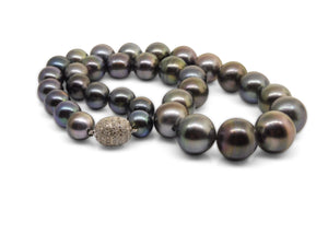 Black Tahitian Pearl Necklace & Earring Set 18kt White Gold 2.80ct Diamonds