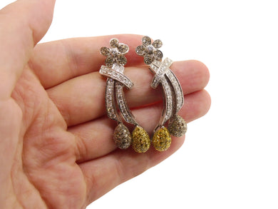 Dangle Earrings in White and Yellow Gold set with 2.85 cts Diamonds