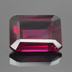 3.70ct Emerald Cut Rhodolite Garnet - Skyjems Wholesale Gemstones