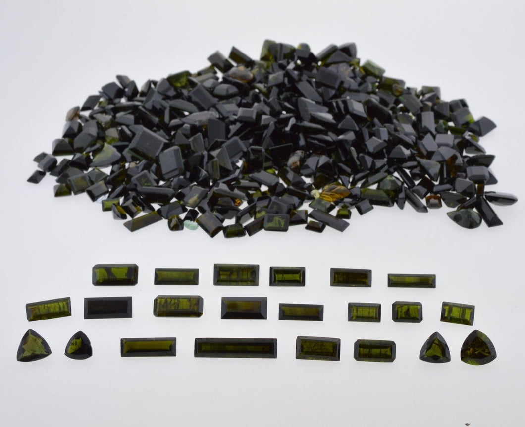 Black/Dark Green Tourmaline 918cts 675st Mix Pear/Emerald Cut/Triangle Wholesale Lot