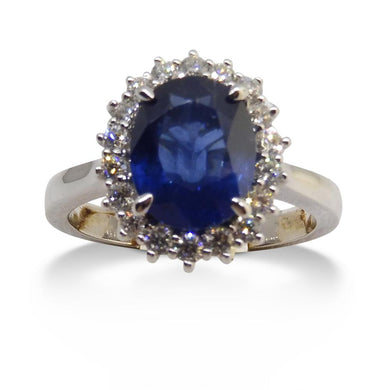 Sapphire Ring, 2.26ct Centre Stone, set in 14kt White Gold with 0.32cts Diamonds