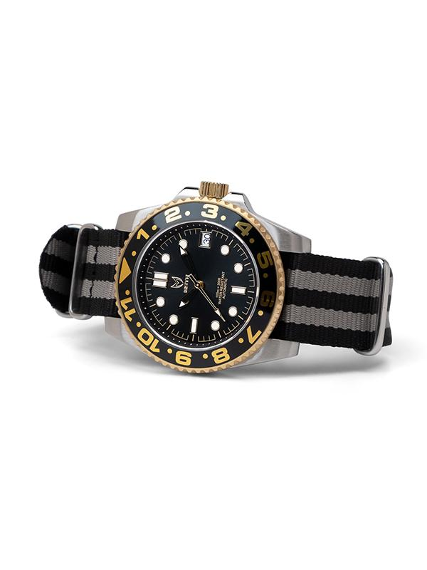 MSTR VO105NS - AUTO VOYAGER SILVER / BLACK & GOLD / NATO BAND